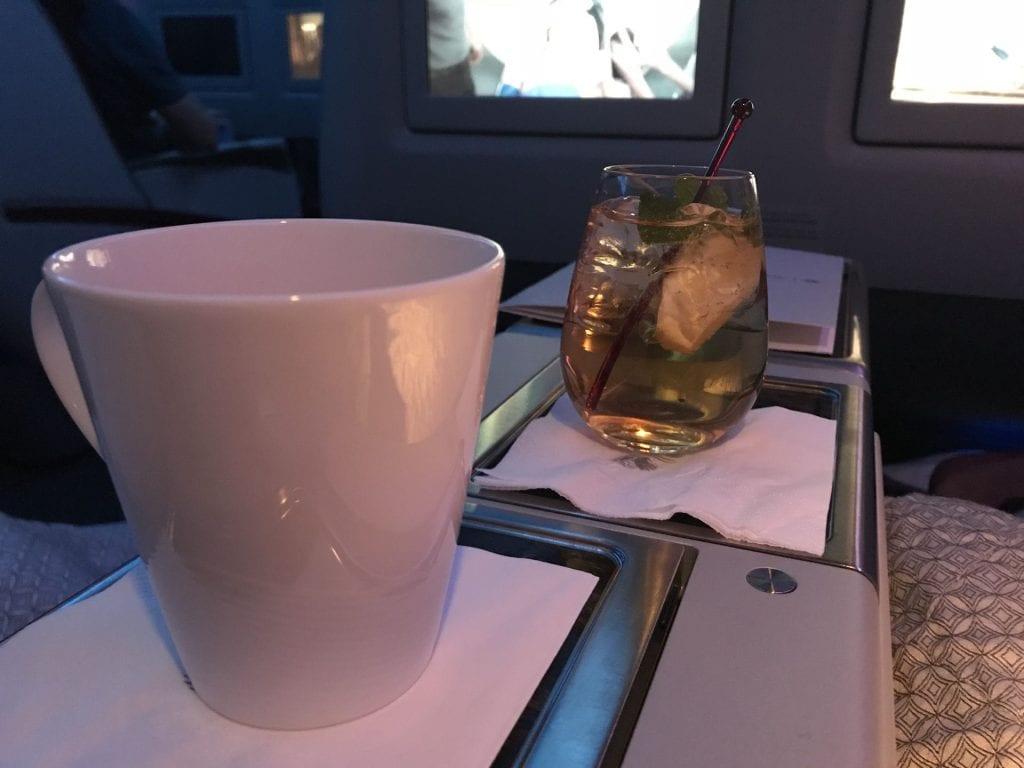 Qatar Airways Business Class Boeing777 Getränke 2