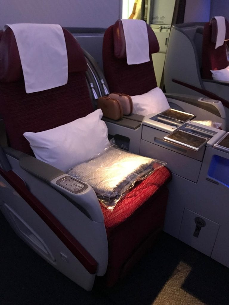 Qatar Airways Business Class Boeing777 Sitz Seite