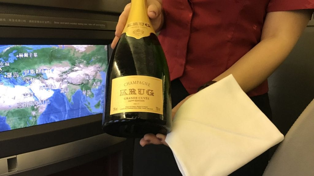 cathay pacific first class boeing 777 champagner