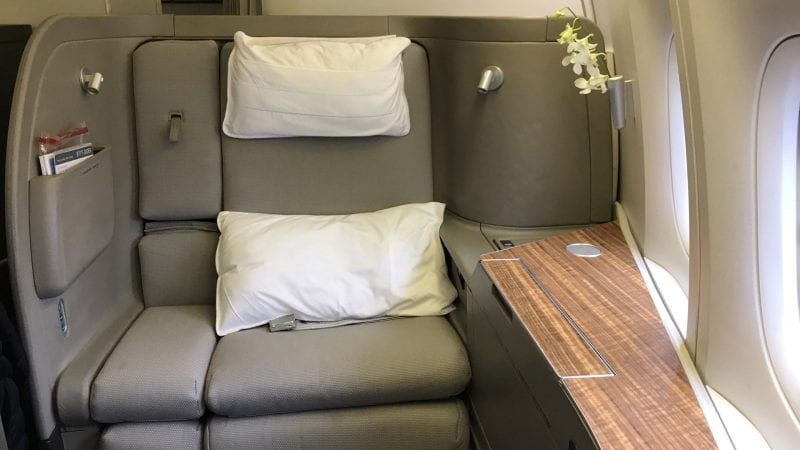 cathay pacific first class boeing 777 sitz 7