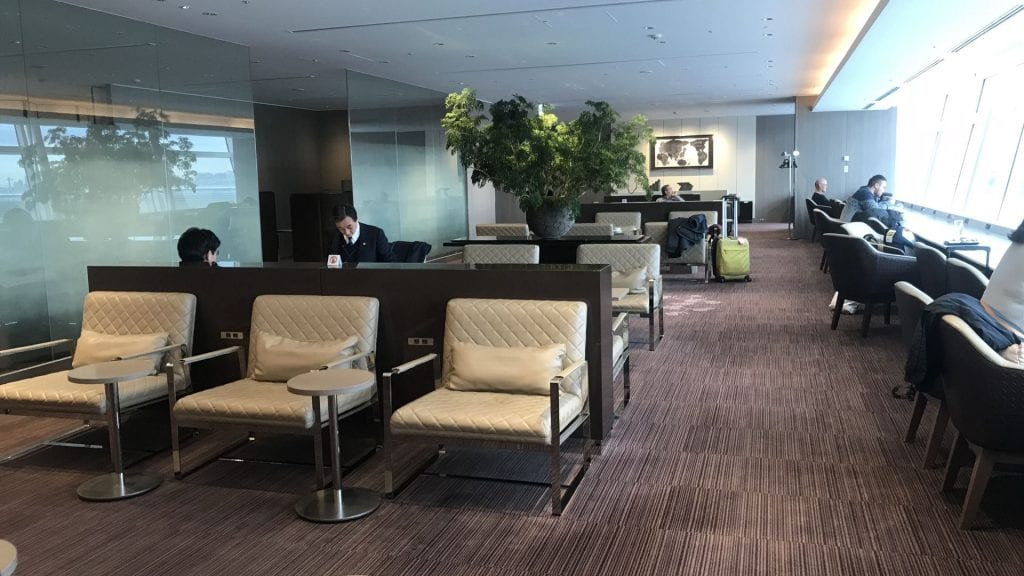 japan airlines first class lounge tokio haneda lounge bereich 3