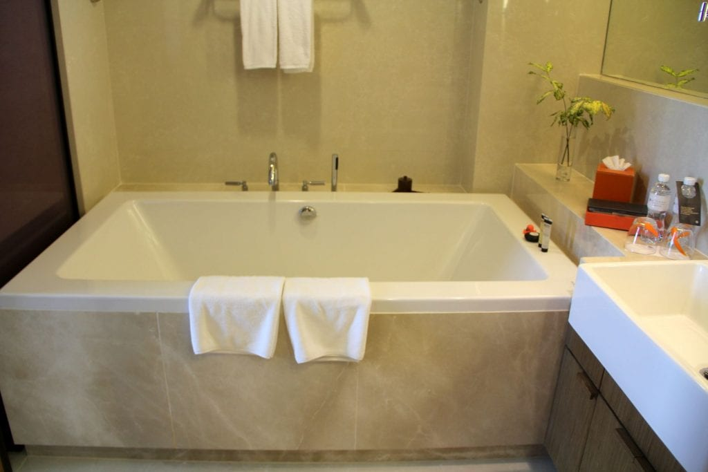 Bathtub Pullman Bangkok King Power 2