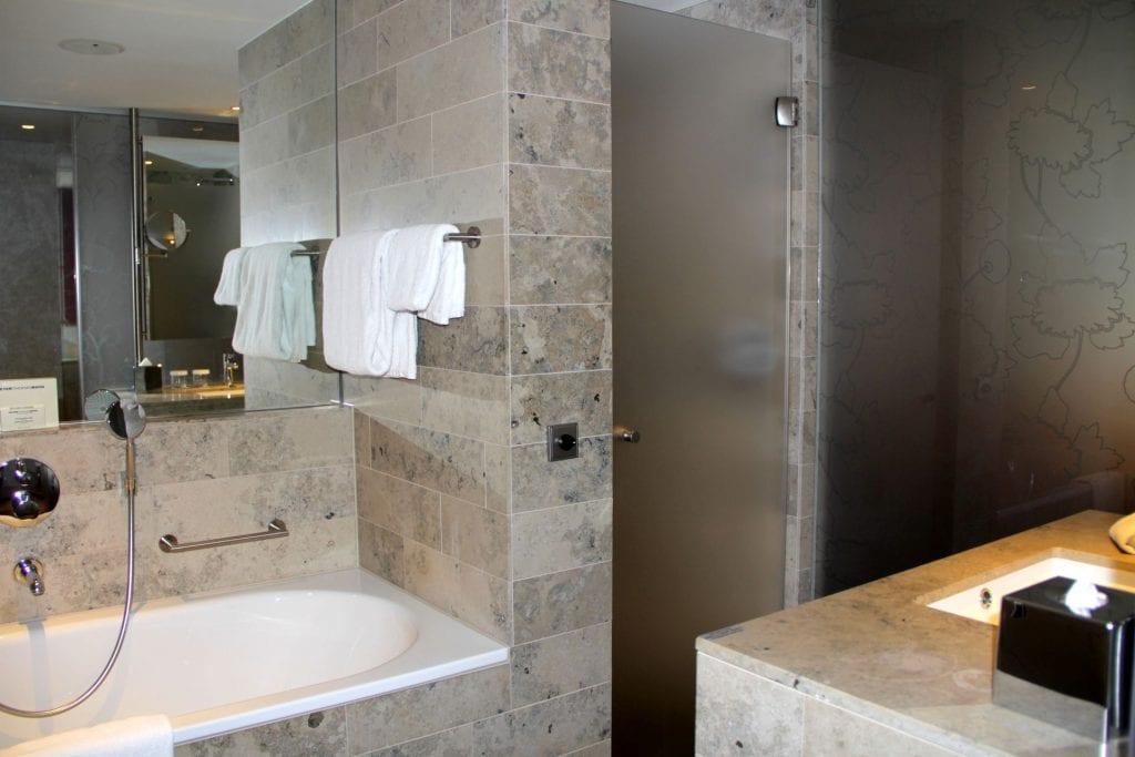 Hilton Den Haag Executive Zimmer Bad
