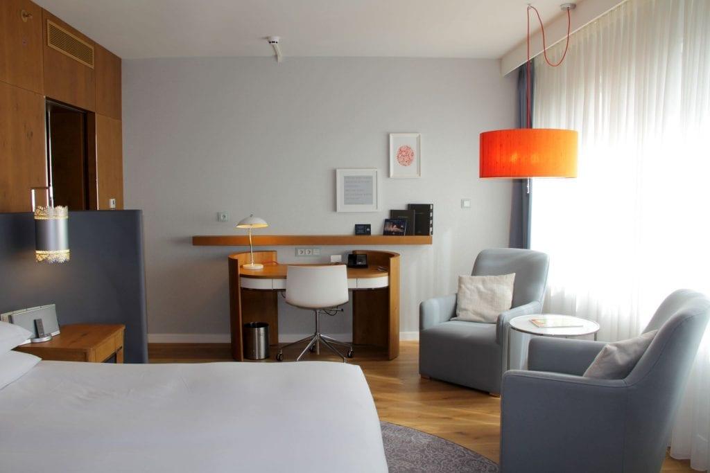 Hilton Rotterdam Junior Suite 3