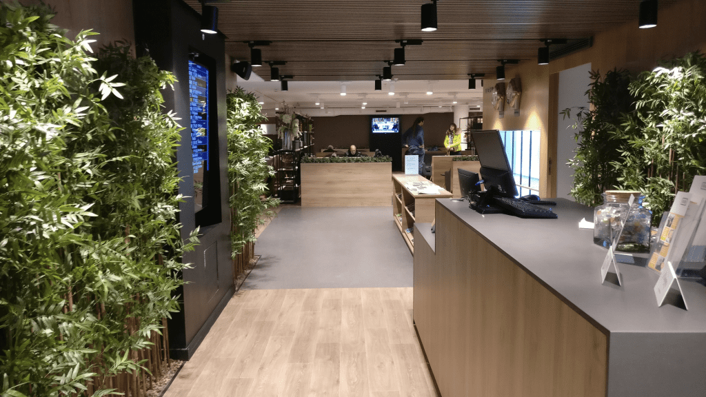 Premium Traveller Lounge Paris Orly Priority Pass