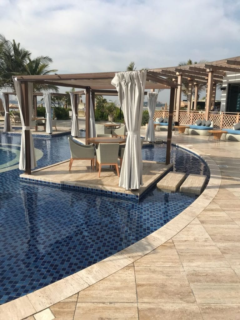 Waldorf Astoria Dubai Palm Jumeirah Pool draußen