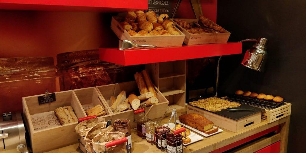 ibis Paris Levallois Perret Frühstück Buffet Baguette