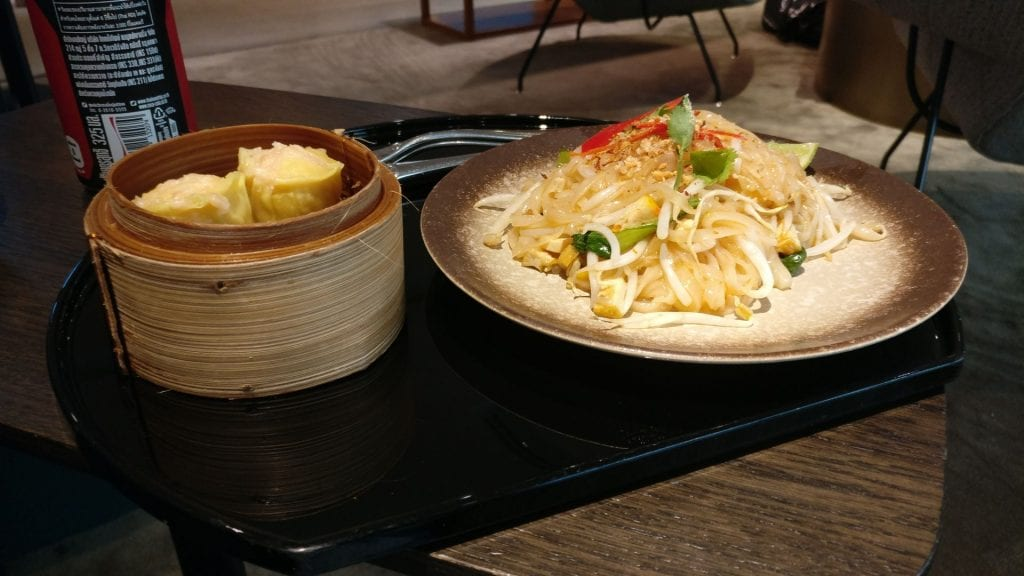 Cathay Pacific Lounge Bangkok Food
