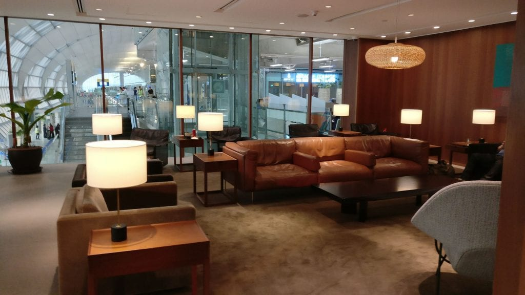 Cathay Pacific Lounge Bangkok Seating 2