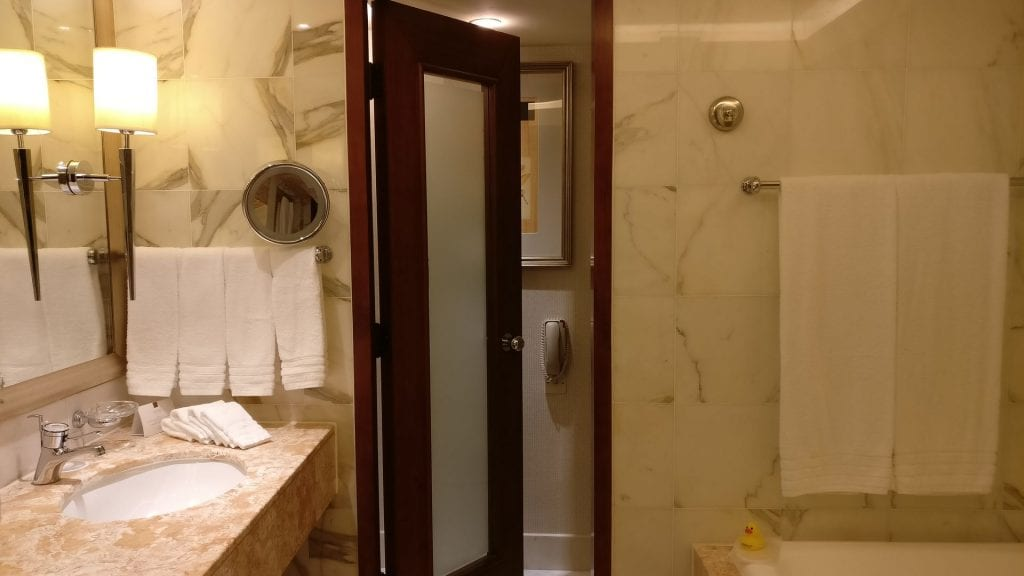 Conrad Hong Executive Peak Suite Bathroom