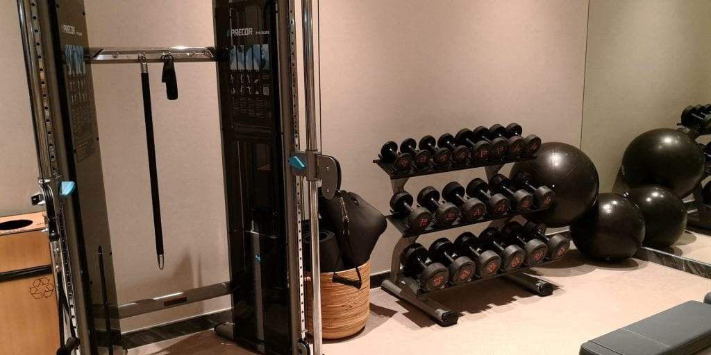 Hilton Garden Inn Singapore Serangoon Fitness Geräte Hanteln