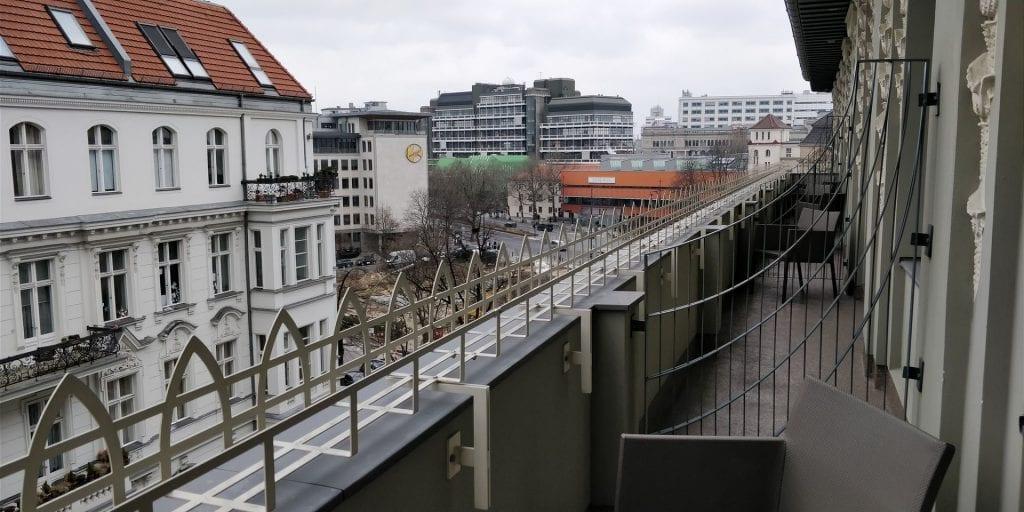 Hotel am Steinplatz Autograph Collection Berlin Zimmer Balkon Aussicht