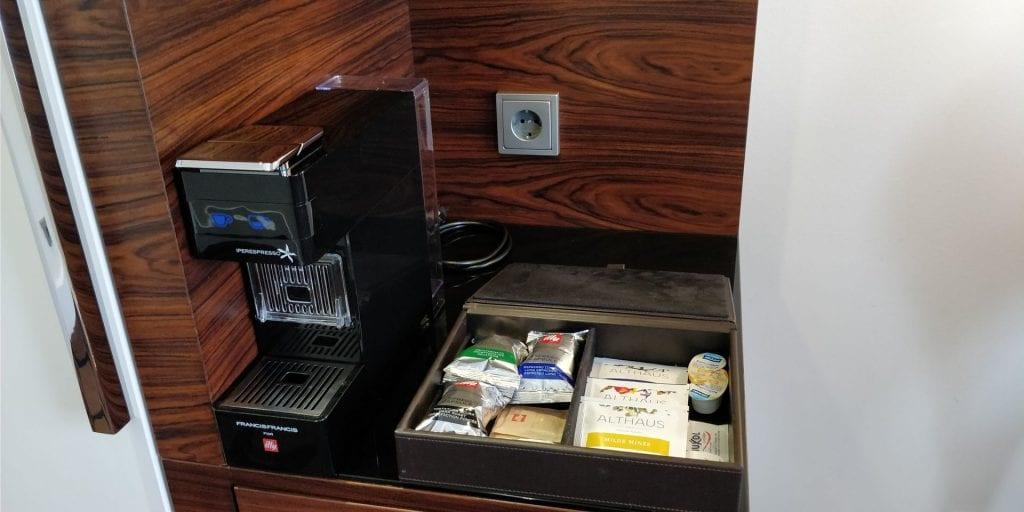 Hotel am Steinplatz Autograph Collection Berlin Zimmer Espresso Kaffeemaschine