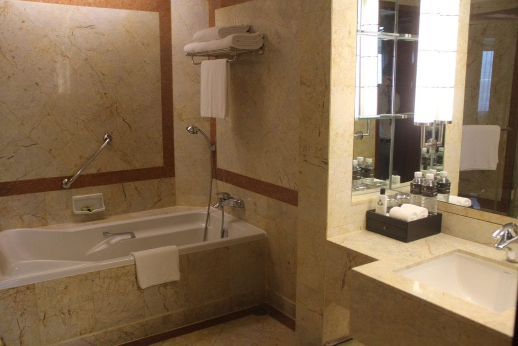 InterContinental Bangkok Corner Suite Bathroom 6