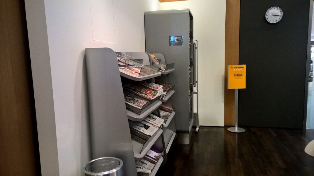 Lufthansa Seantor Café Munich Newspapers