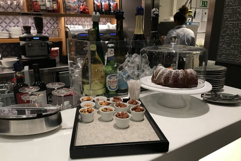 Lufthansa senator Café München Bar 2