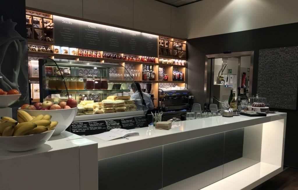 Lufthansa senator Café München bar