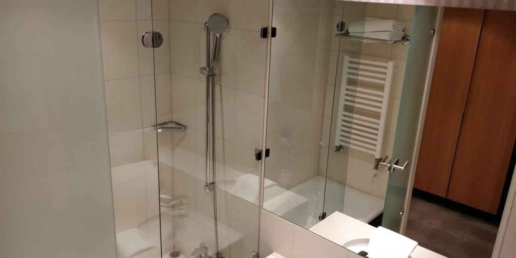 Novotel Karlsruhe Zimmer Dusche Bad