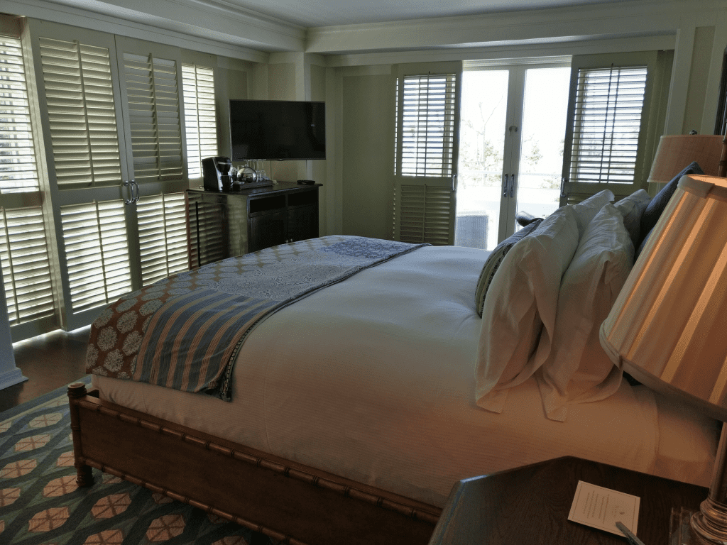 Shutters on the Beach Deluxe Room 7