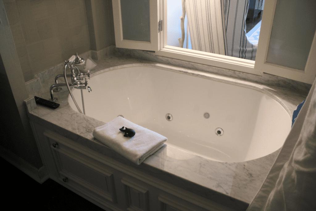 Shutters on the Beach Deluxe Room Bathroom 3