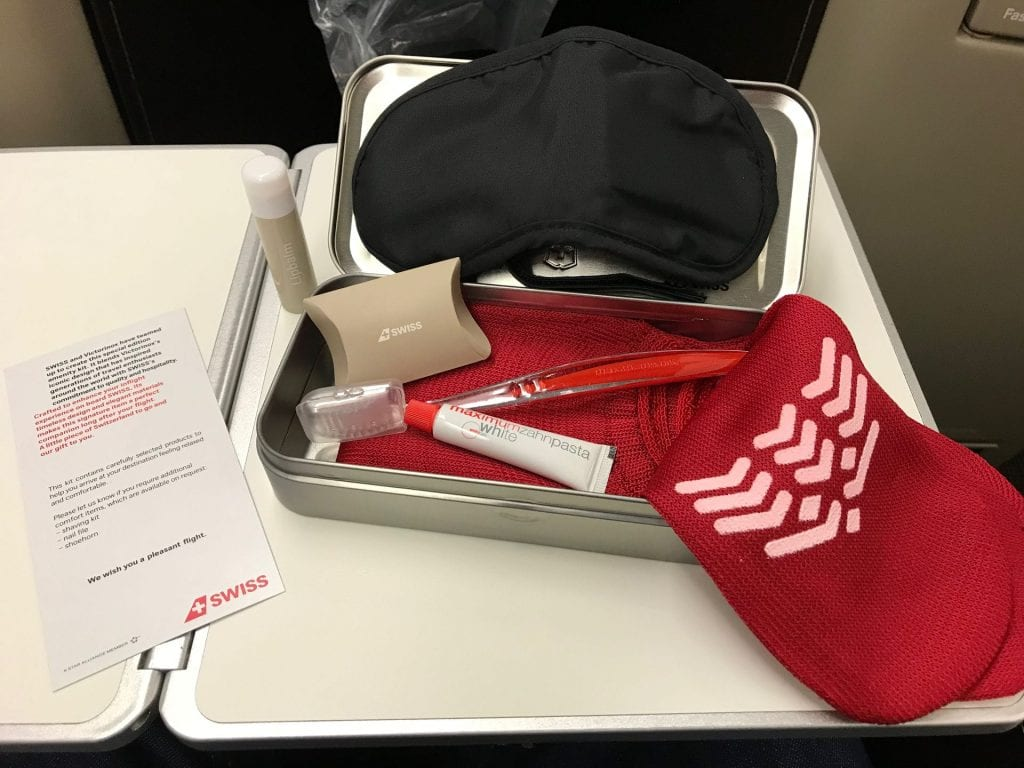 Swiss Business Class Airbus A330 Amenity Kit ausgepackt