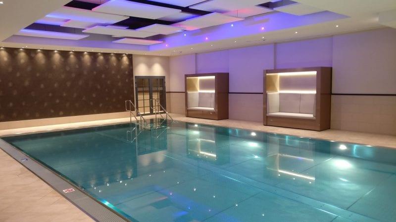 marriott bonn pool