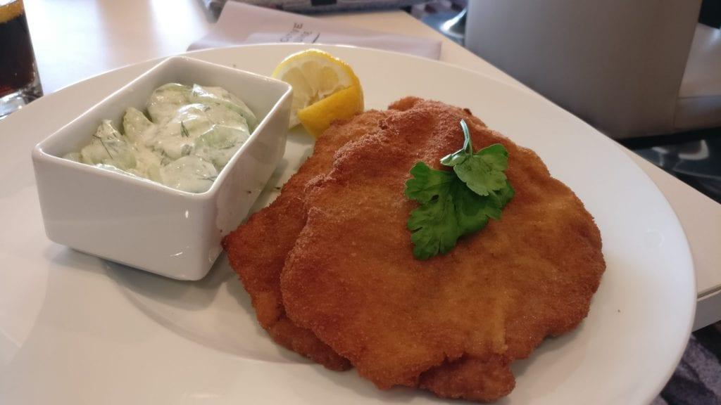 marriott köln room service schnitzel