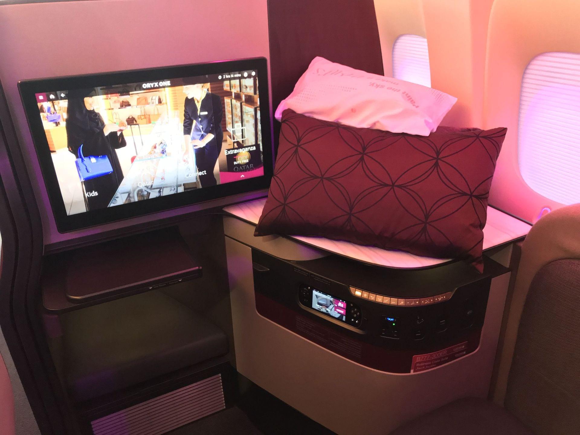 qatar airways q suites itb berlin 2