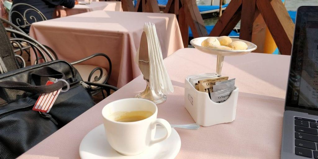 Ca Sagredo Venedig Cafe Espresso Steg Terrasse