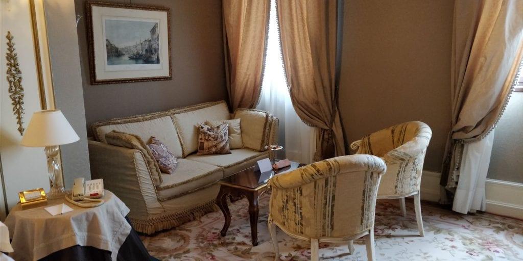 Ca Sagredo Venedig Zimmer Sofa Ecke