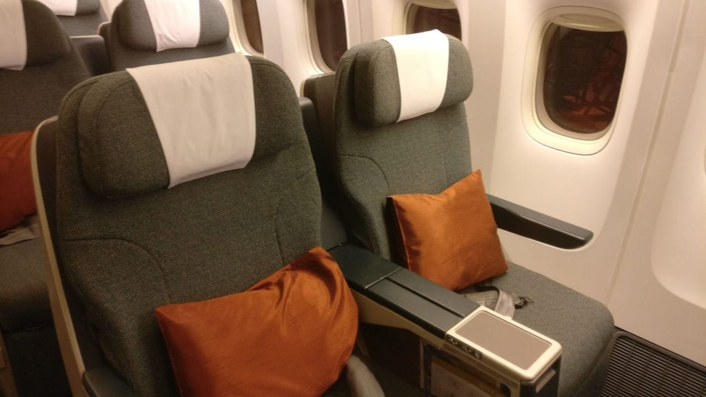 Cathay Pacific Business Class Boeing 777 300 Seat 2