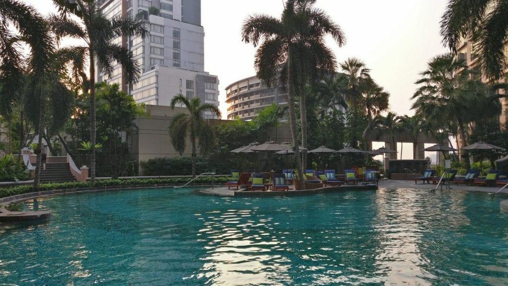 Conrad Bangkok Pool 5
