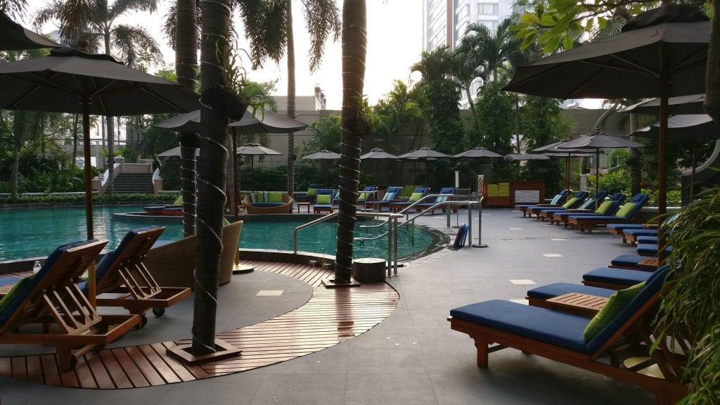 Conrad Bangkok Pool 6