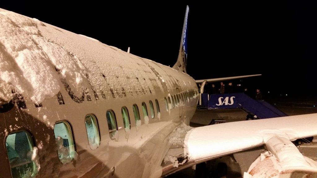 Flugzeug Schnee Linienflug Winter Flugplan