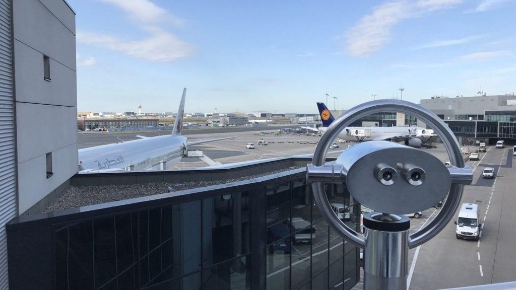 Frankfurter Flughafen Terrasse – Ausblick 1