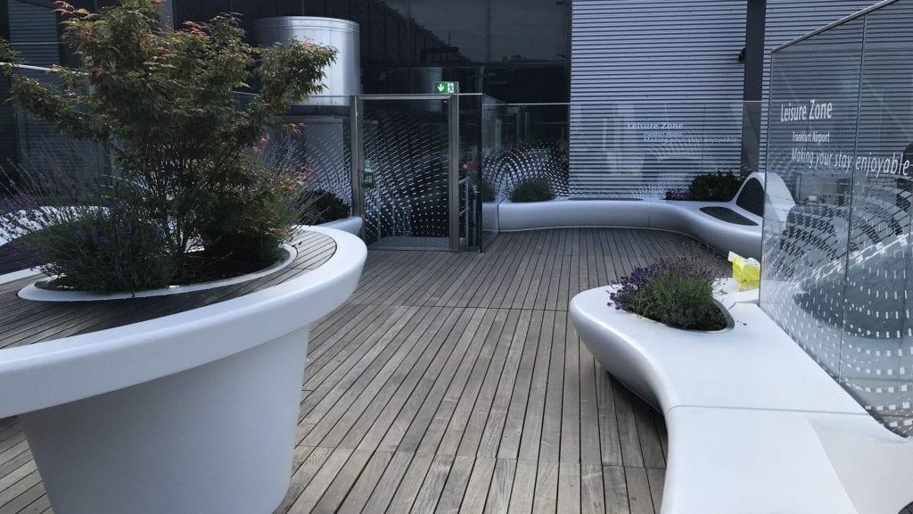 Frankfurter Flughafen Terrasse – Sitze 3