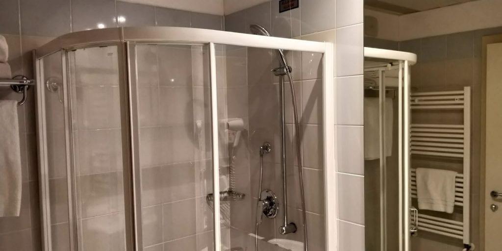 Hilton Garden Inn Milan Malpensa Bad Dusche