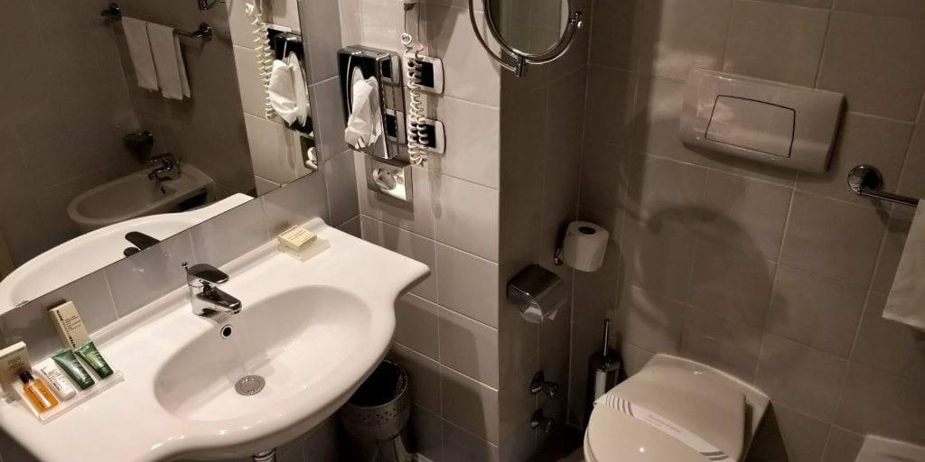 Hilton Garden Inn Milan Malpensa Bad WC