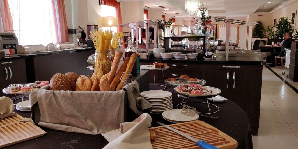 Hilton Garden Inn Milan Malpensa Frühstück Buffet
