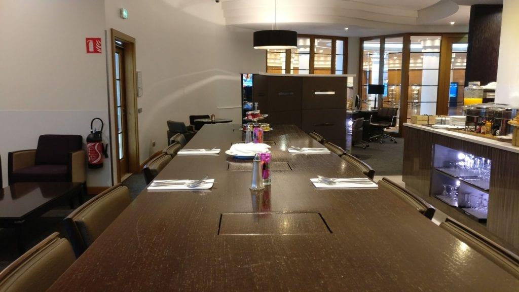 Hilton Paris Charles de Gaulle Executive Lounge 2