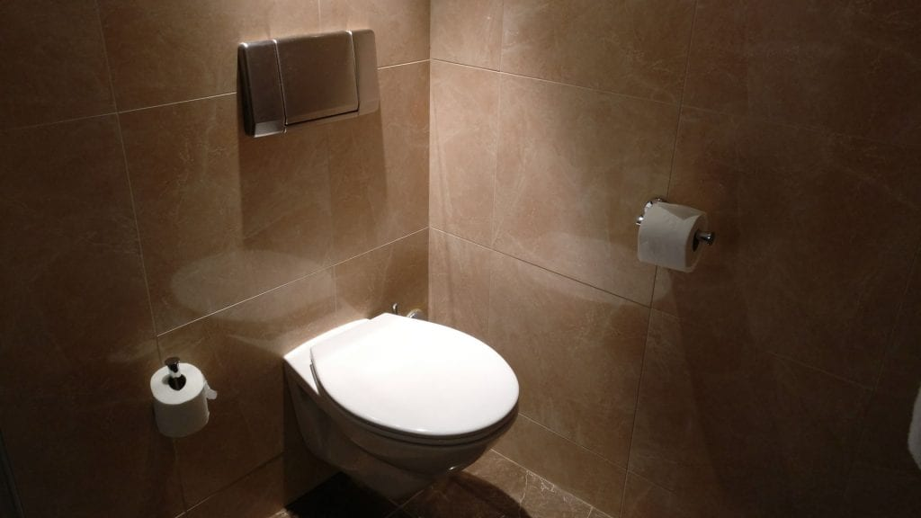 Holiday Inn Paris Elysees Executive Room Bathroom 2