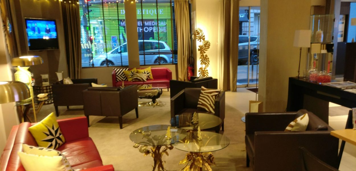 Holiday Inn Paris Elysees Lobby