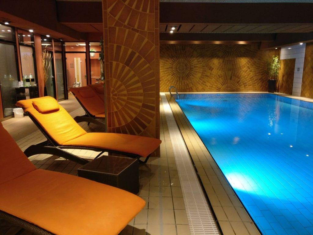 Hotel Le Royal Luxemburg Pool 2