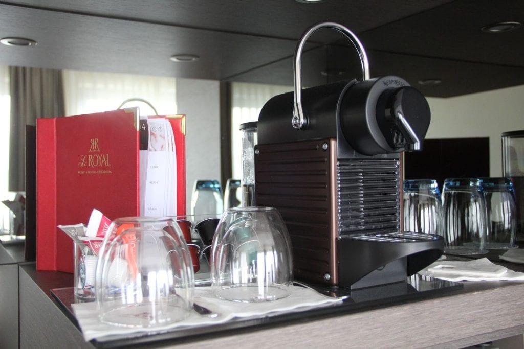 Hotel Le Royal Luxemburg Privilege Room Kaffeemaschine