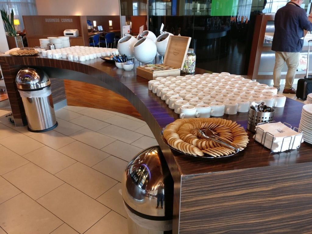 KLM Crown Lounge Amsterdam Non Schengen Buffet 2