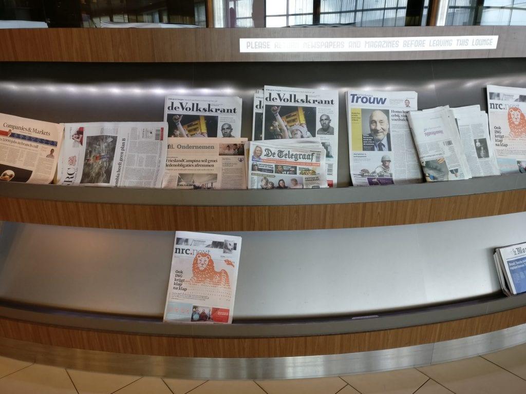 KLM Crown Lounge Amsterdam Non Schengen Magazines