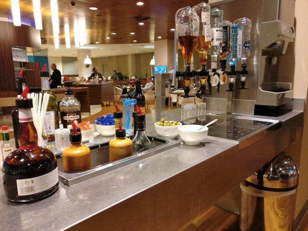 KLM Crown Lounge Amsterdam Schengen Buffet 3