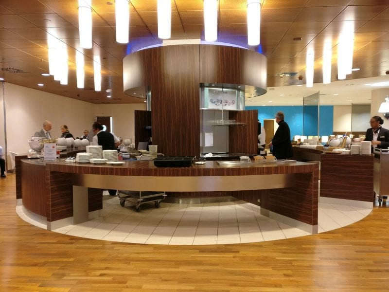 KLM Crown Lounge Amsterdam Schengen Buffet 4