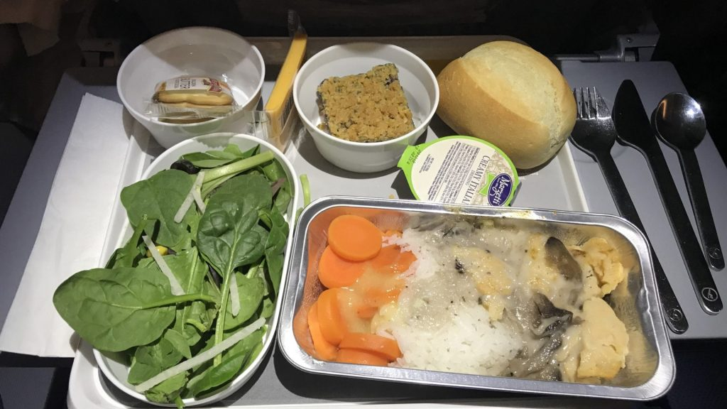 Lufthansa economy class airbus a380 abendessen