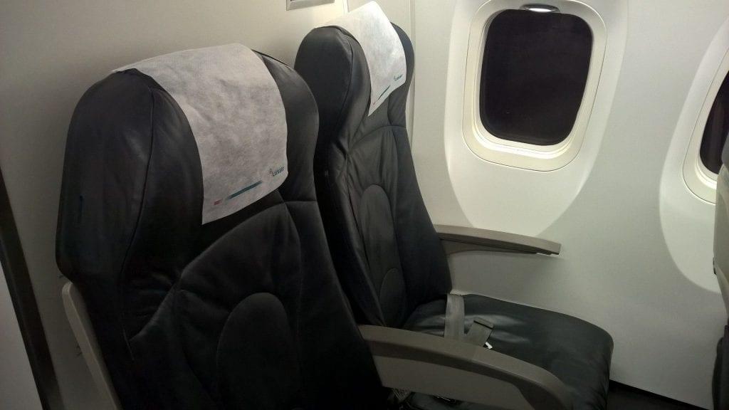 Luxair Economy Class Dash Q400 Sitz